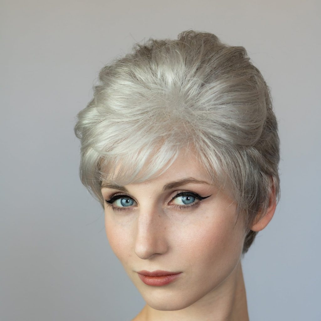Lucia Small Wig in SNOW MIX