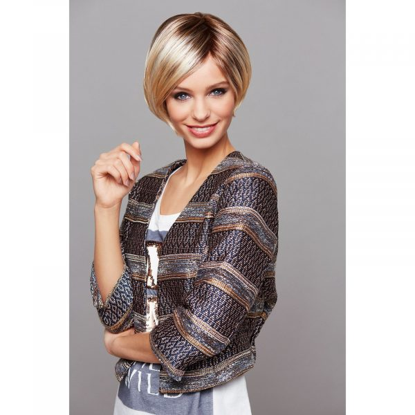 High End Vicky Wig by Gisela Mayer in 23/26+12 | Golden Blonde Mix